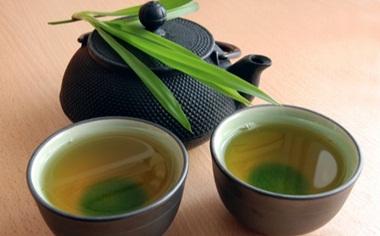 Daun teh untuk obat ekternal jerawat